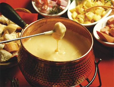 http://insidersmodaetecnologia.files.wordpress.com/2009/08/fondue-de-queijo1.jpg